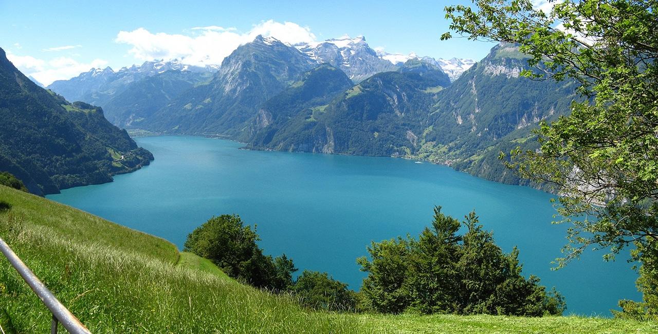 The Swiss Path Along Lake Uri Switzerland Walking Itinerary Bindu Trips